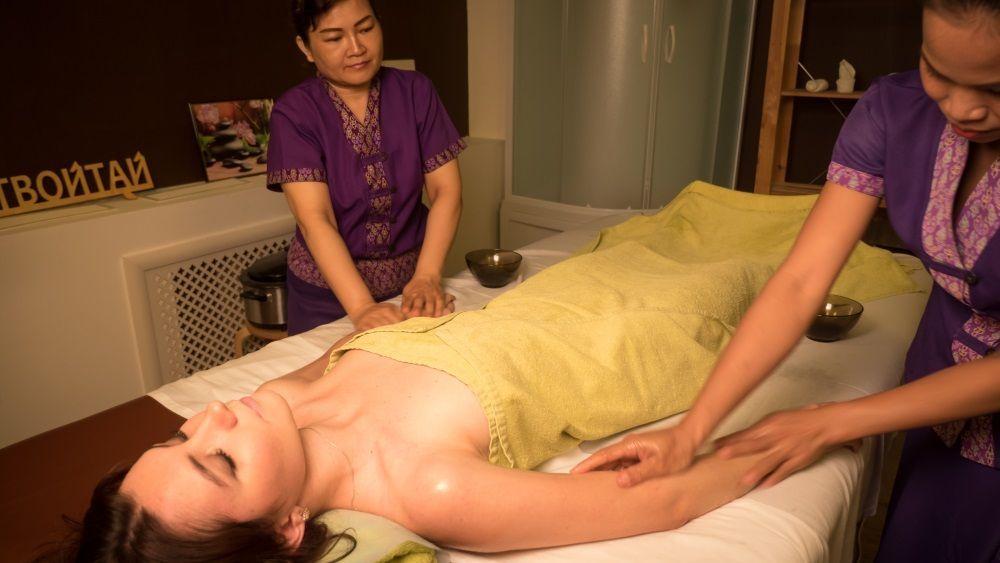 Mom Massage Asian